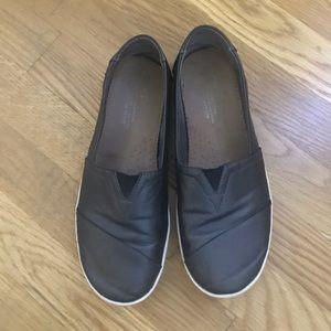 Toms classic dark Gray shoe-excellent condition